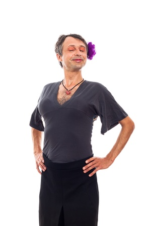 transexual: Retrato de hombre feliz orgulloso travesti travesti, aislados en fondo blanco.