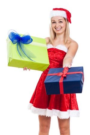 generoso: Feliz Navidad mujer generosa dar regalos, aislados en fondo blanco. Foto de archivo