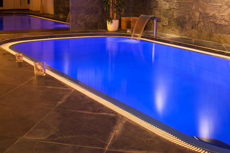 Interieur van wellness en spa-zwembad. Stockfoto