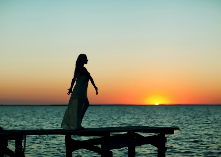 Silhouette of a beautifu woman