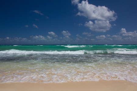 View of the turquoise Caribbean sea towards the horizon.