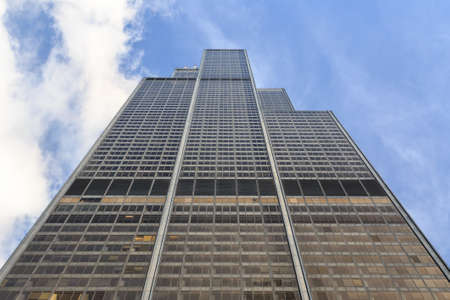 willis: View up the facade of Willis Tower, highest building in Chicago, IL, USA.