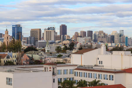 urban sprawl: View towards downtown San Francisco from Mission-Dolores in San Francisco, CA, USA in October 2014.