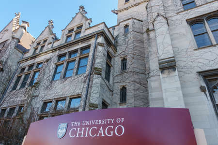 elite: CHICAGO, IL, USA - MARCH 12, 2015: Sign for the University of Chicago in the Hyde Park area of Chicago, IL, USA on March 12, 2015.