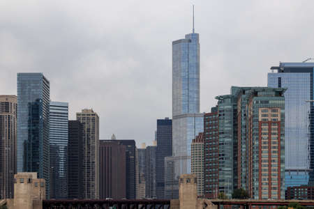 the sears tower: Skyscrapers against the cloudy sky in Chicago, IL, USA.