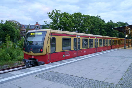 db: BERLIN, GERMANY - JULY 2017: S-Bahn commuter train stopped at Zehlendorf station in Berlin, Germany in July 2017. Editorial