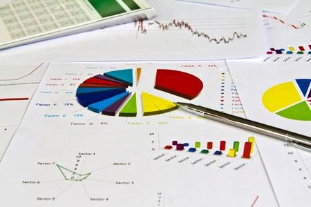 펜 및 비즈니스 그래프