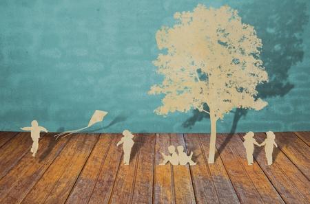 아이들의 종이 컷 재생 스톡 사진