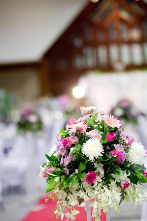 afecto: Rosa flores en la boda Foto de archivo