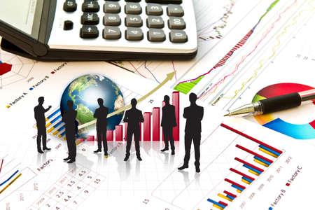 contabilidad financiera cuentas: Siluetas de negocios y gr�fico de negocio con la tierra (elementos de esta imagen proporcionada por la NASA)