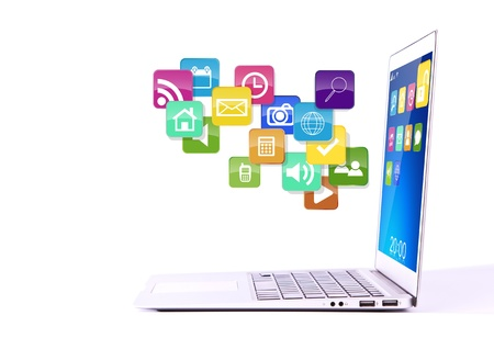 Laptop z kolorowymi ikonami aplikacji na białym tle