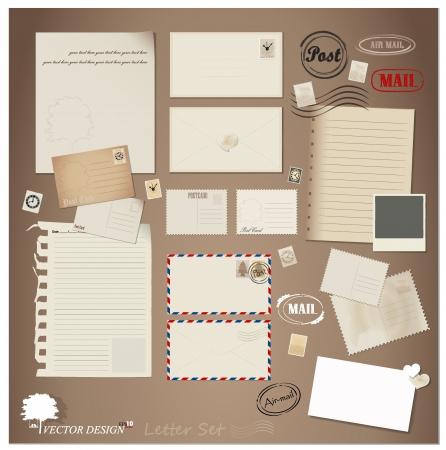 Carte postale de cru, de l'enveloppe, timbre, carte et dessins de papier vierges. Vecteurs