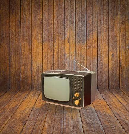 방에 빈티지 텔레비전 스톡 사진