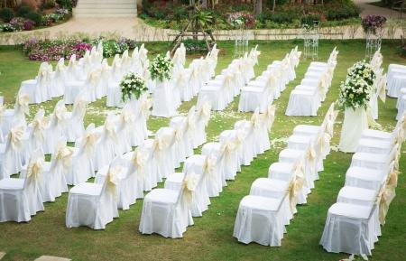 Esküvő egy gyönyörű kertben Stock fotó