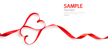 白い背景で隔離赤いハート リボン 写真素材