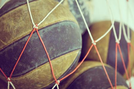 pelota de voleibol: Voleibol Viejo (imagen filtrada procesada efecto vintage.)
