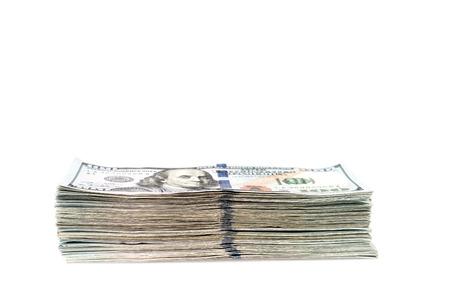 letra de cambio: Billetes de cien dólares en el fondo blanco Foto de archivo