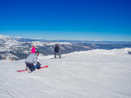 sierra nevada: MAMMOTH LAKES, CA - November 8  2015, Beautiful day at Mammoth Mountain Ski Area in the eastern Sierra Nevada mountains of California Editorial