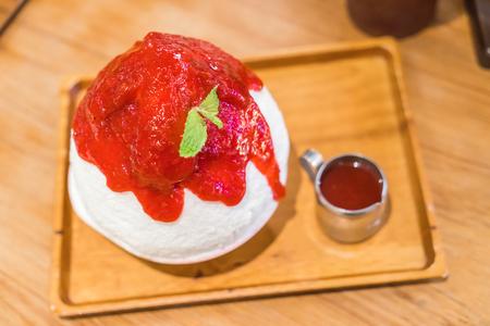 bing: Korean dessert : Bing Su with Strawberry Stock Photo