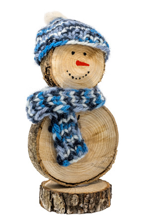 Handmade wooden snowman with crochet hat and scarf isolated on white Standard-Bild - 116295400