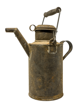 Old dirty oil can of tin with carrying handle isolated on white Standard-Bild - 116295401