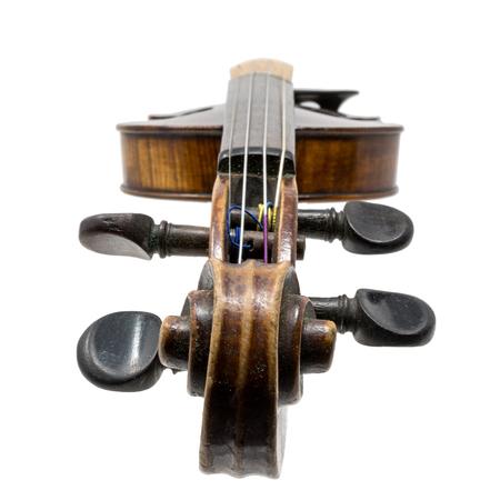 Old dark brown Violin isolated on white Standard-Bild - 116295624