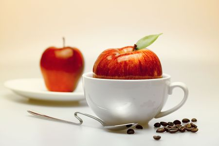 apples in a cup photo