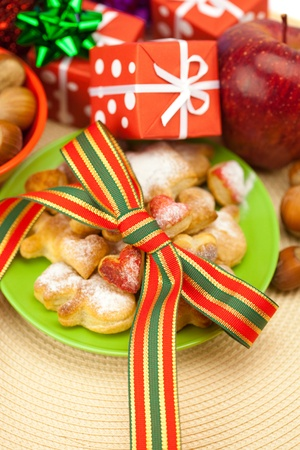 christmas dish: Dish, cookies, nuts, apple, bows, boxes, gifts, Christmas balls