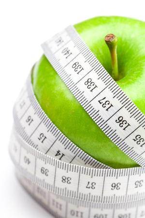 Apple und Maßnahme Band isoliert auf weiss Standard-Bild - 9038258