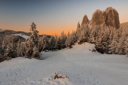 Snowy mountain on sunset Stock Photo - 17642021