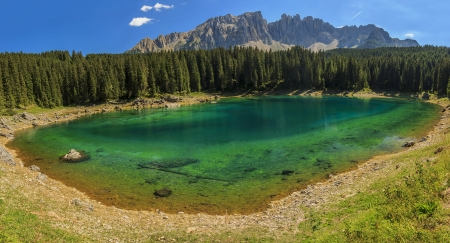 sudtirol: Clear emerald lake in the Dolomites,Carezza Lake,Val Di Fassa,Sudtirol,Italy,Europe