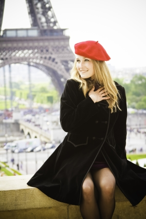 Female model in red hat Eiffel tower Stok Fotoğraf