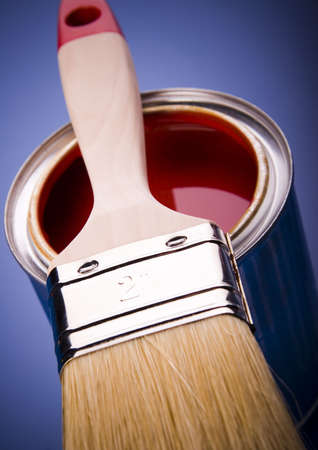 flat brush: Paint brush and cans