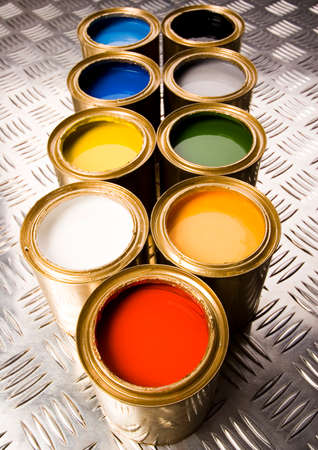 gold cans: Paint