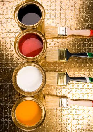 gold cans: Disegno e lattine