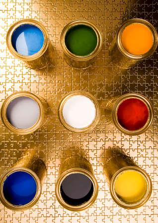 gold cans: Idea colorato