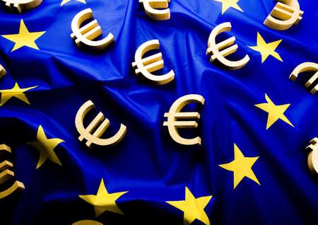credence: EU flag & Euro