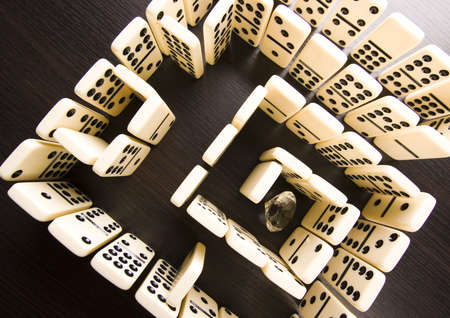 dominoes: Labyrinth from dominoes & Diamond
