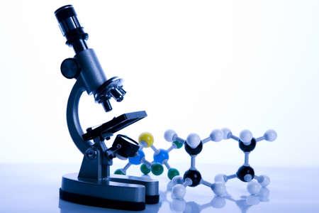 microscopio: Microscopio y Atom