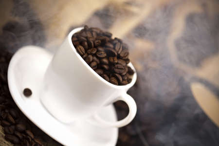 Caffee cup and beans Stock Photo - 5103288
