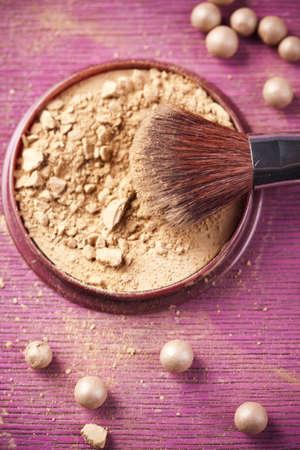 face powder: Powder