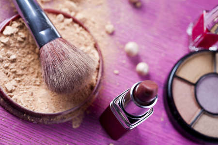 Face powder, make up and brush Stock Photo - 5930505