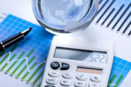 Diagram and calculator Stock Photo - 6537451
