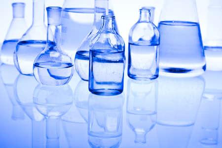 cristalería: Viales de qu�mica azul