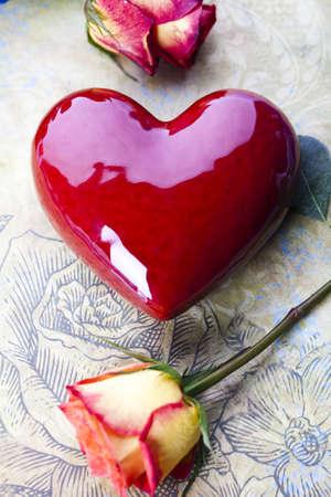 Rose with heart for love  Zdjęcie Seryjne