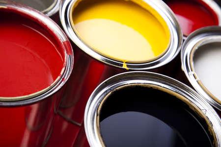 pintor de casas: La pintura y latas Foto de archivo