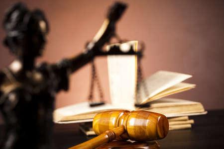 giustizia: Signora di giustizia, legge