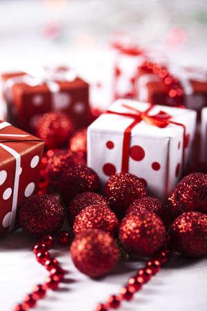 Christmas kulkami i dar Zdjęcie Seryjne