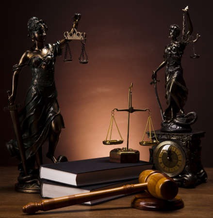 Justice statue, Law Stock Photo - 14218250