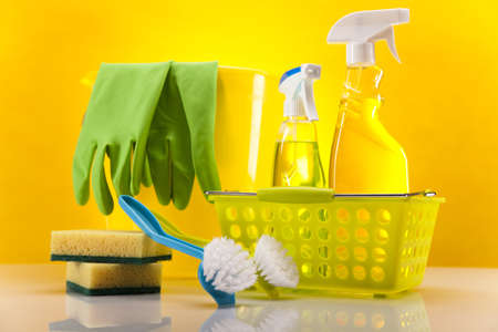 cleaning products: Assorted cleaning products
